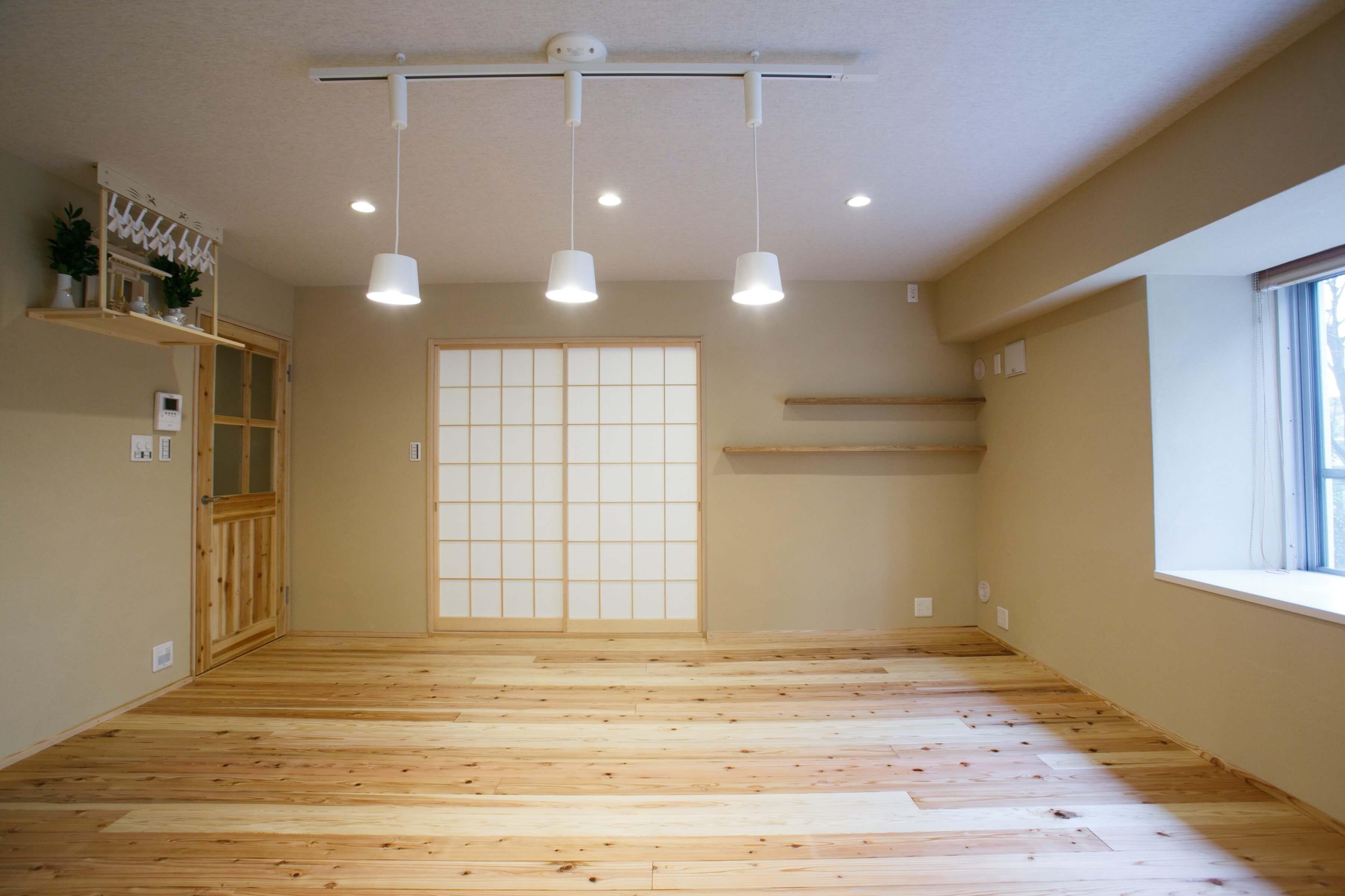新月の木を敷き詰めた光の家 | こだわりの自然素材・天然素材の注文住宅・リノベーション(フルリフォーム)の駿河屋