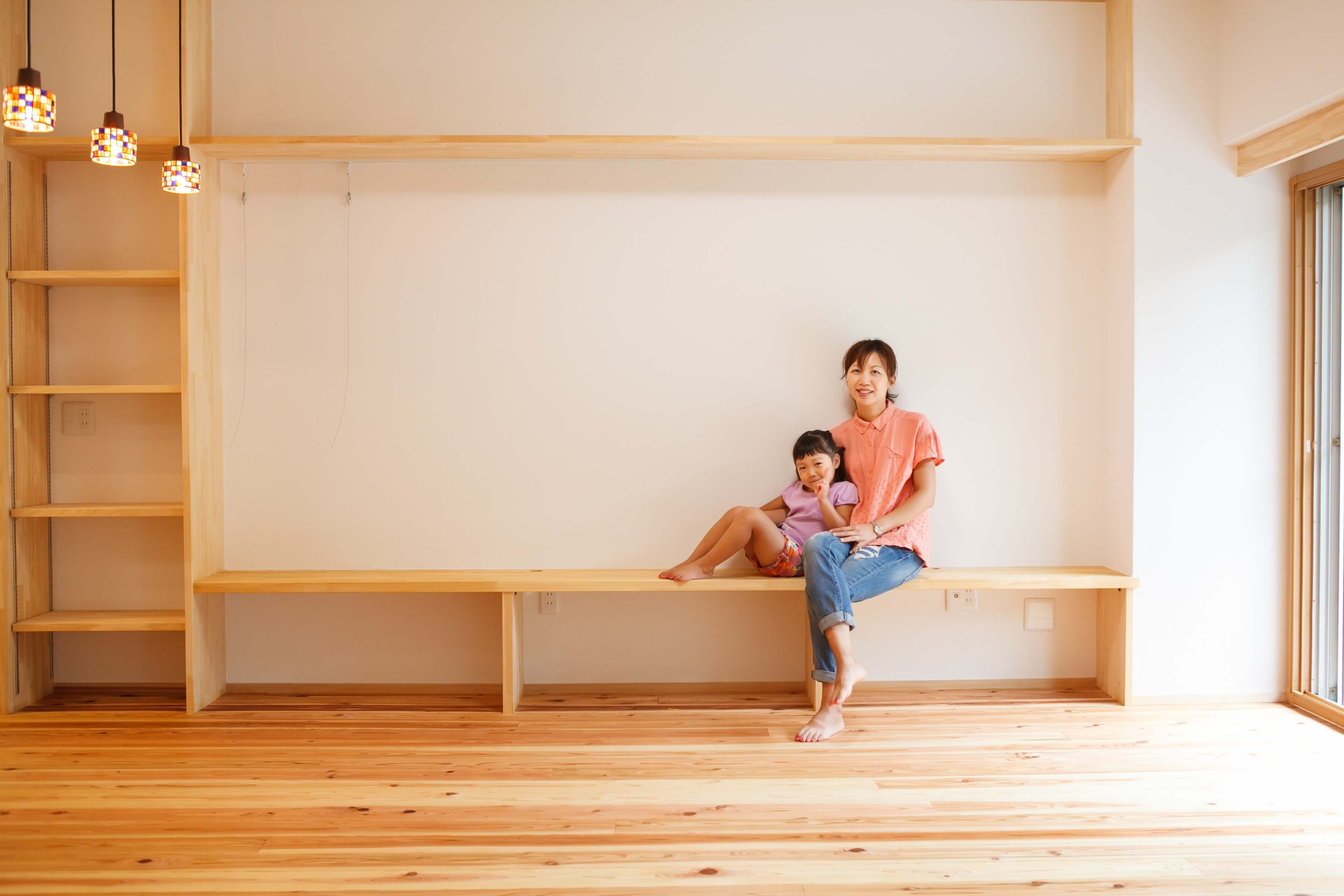 お子様の成長を見守るのキッチンの家 | こだわりの自然素材・天然素材の注文住宅・リフォームの駿河屋