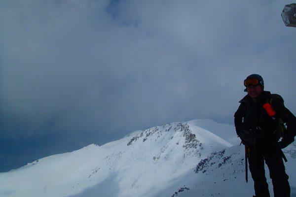 去年は乗鞍岳のピークから滑り降りた
