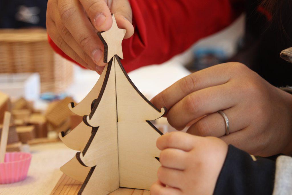 ワークショップ クリスマスツリーづくり