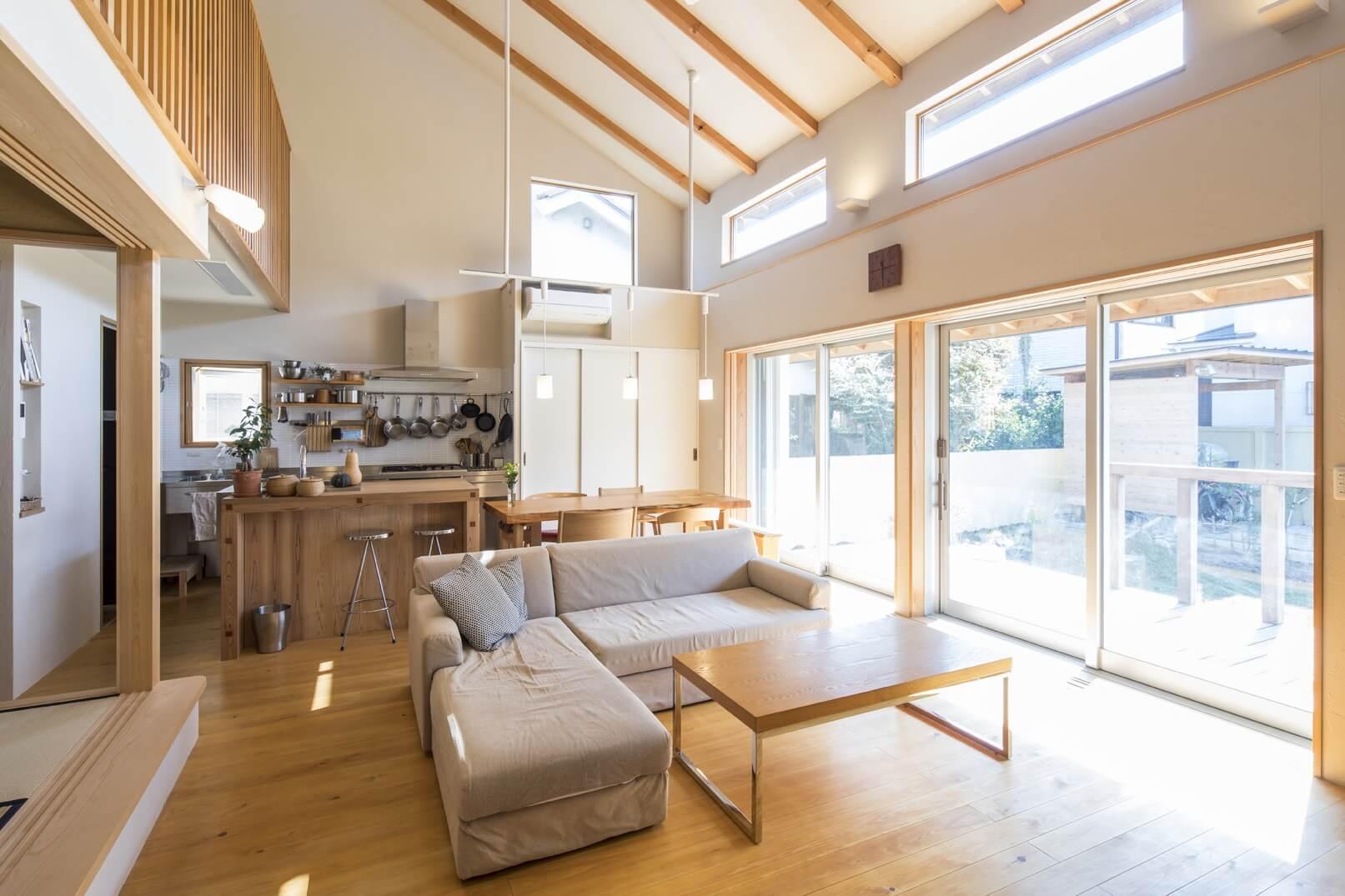 家族を結びつける大屋根の家 | こだわりの自然素材・天然素材の注文住宅・リフォームの駿河屋
