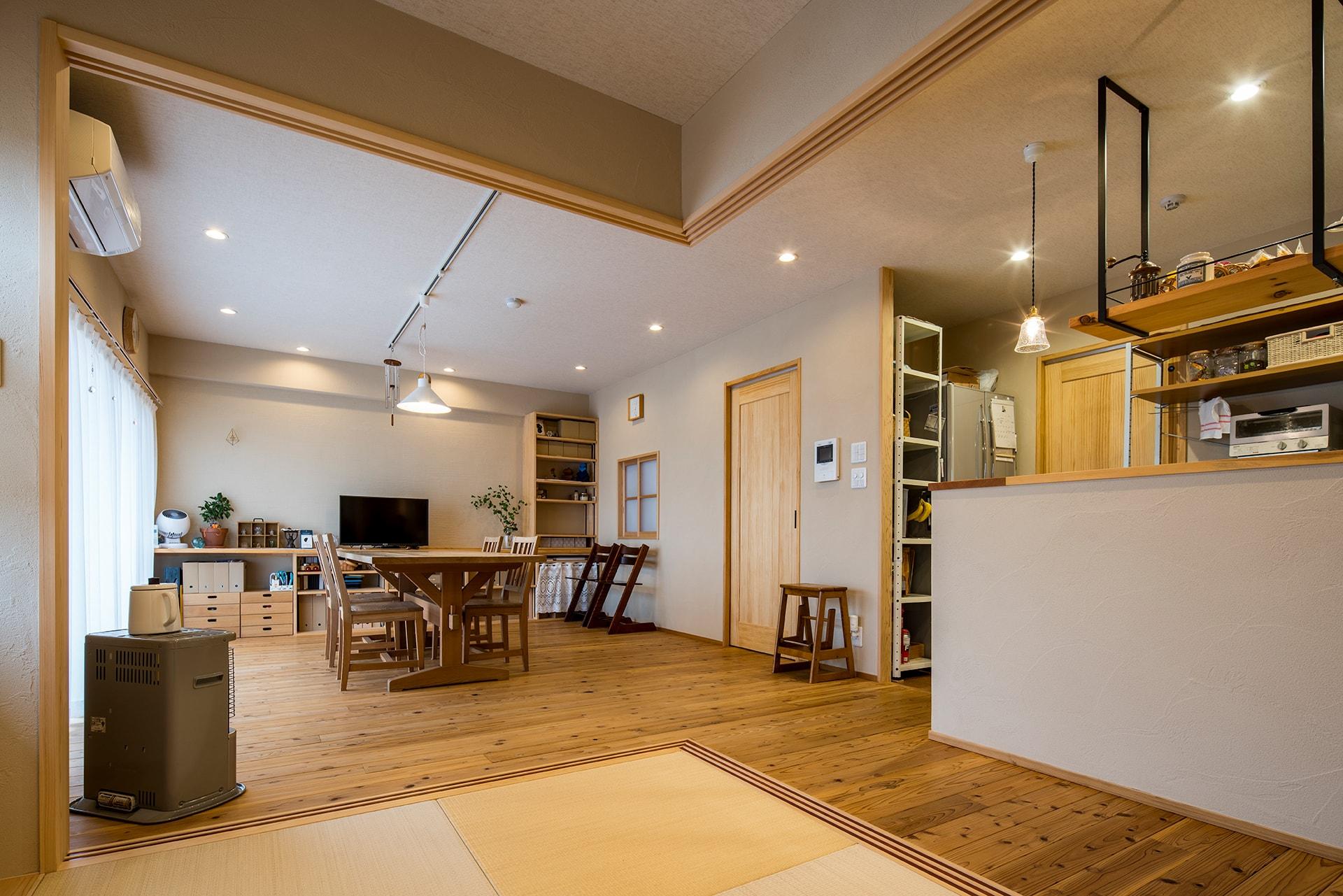 思い出のテーブルから眺望を楽しむ家 | こだわりの自然素材・天然素材の注文住宅・リノベーション(フルリフォーム)の駿河屋