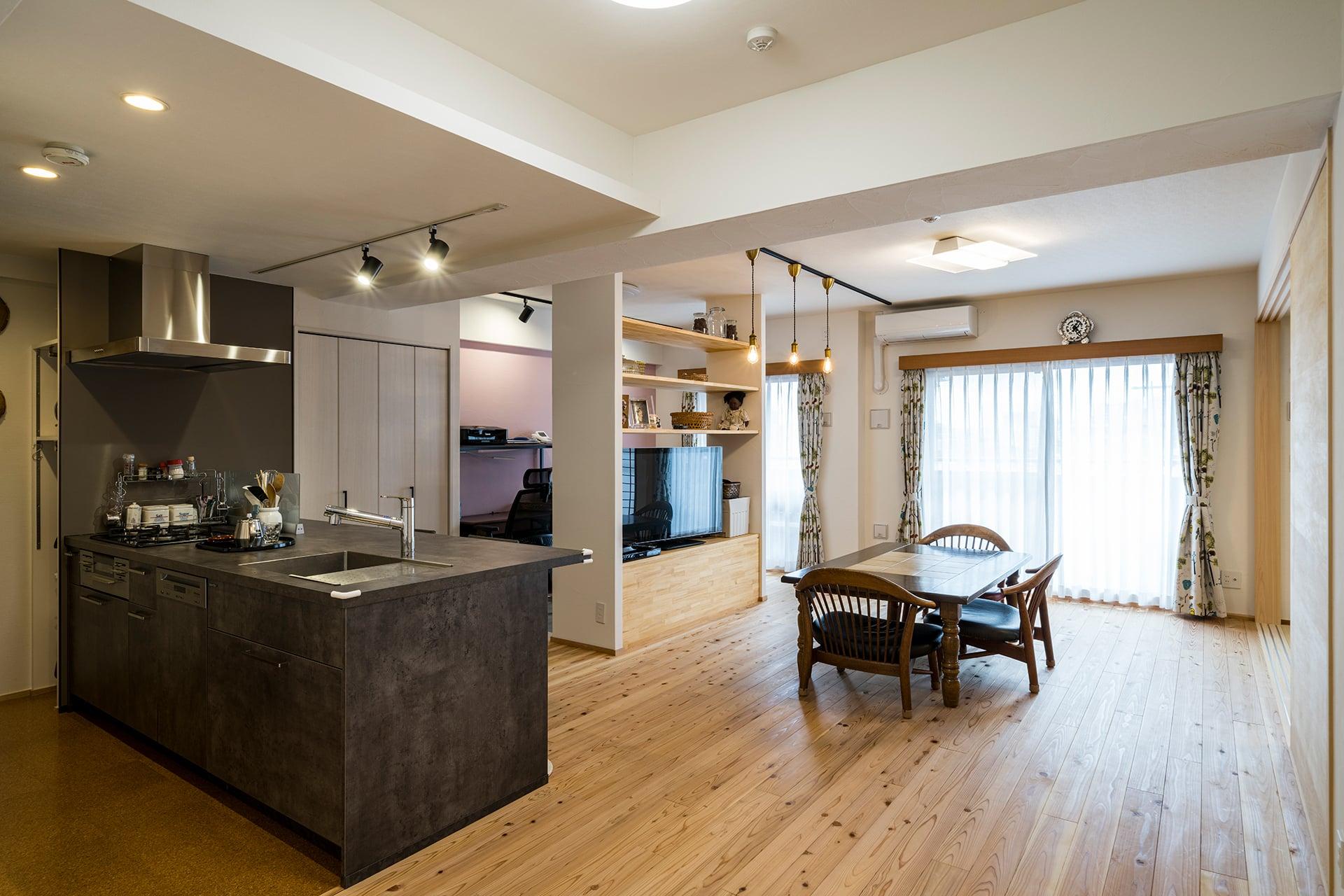 天竜杉がやさしく包む イロトリドリな住まい | こだわりの自然素材・天然素材の注文住宅・リノベーション(フルリフォーム)の駿河屋